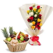 4 kg fruit basket with 12 roses hand bunch